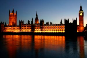 houses-of-parliament-at-night